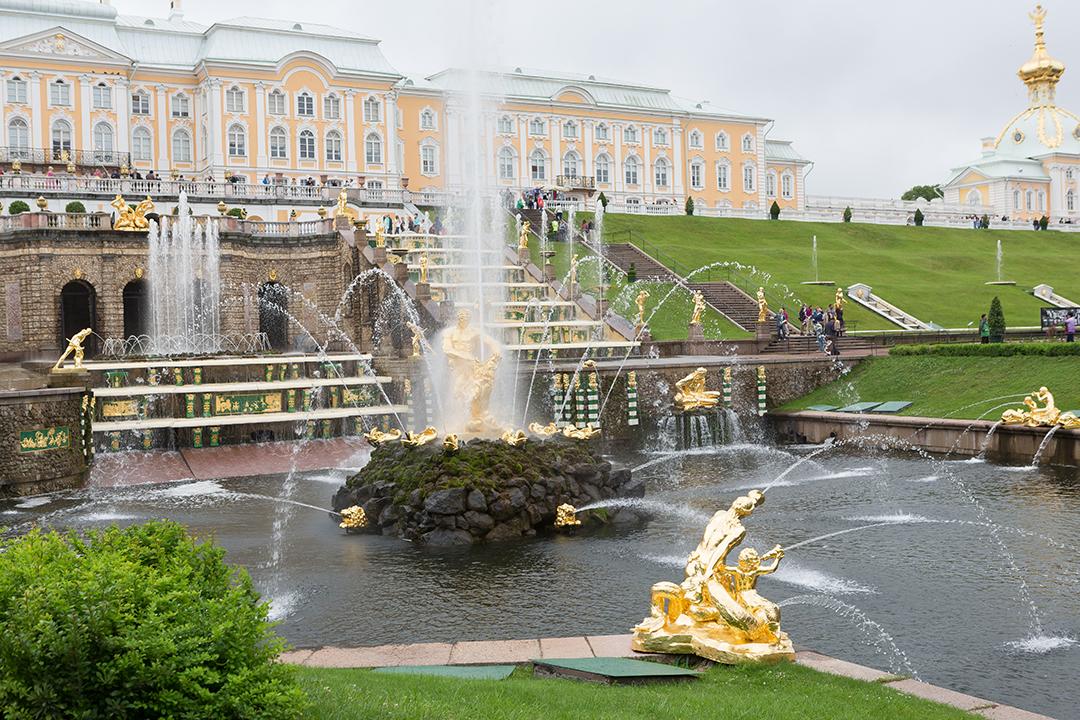 Петергоф: режим работы фонтанов и дворцов 2021