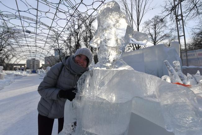 Смотреть Ледяные скульптуры в Москве 2019 видео