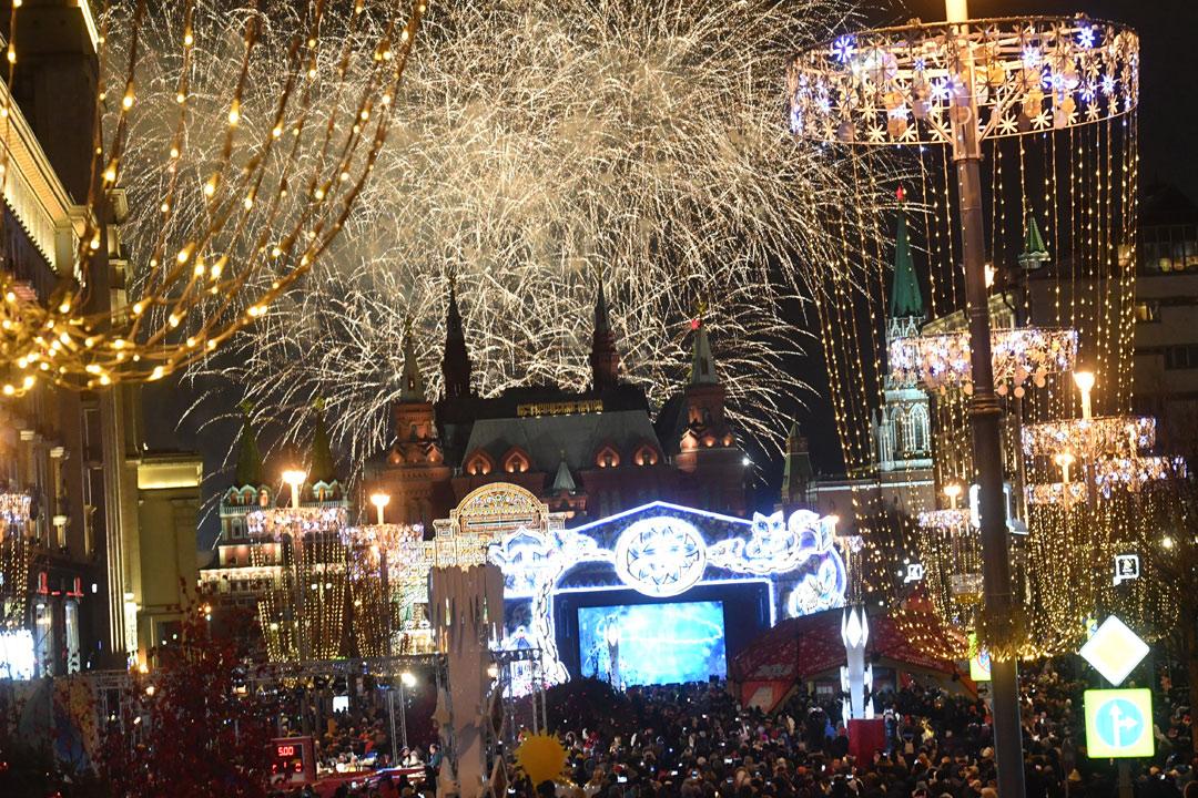 Новогодняя ночь в ресторанах Москвы 2019. Куда сходить на Новый год с семьей, недорого