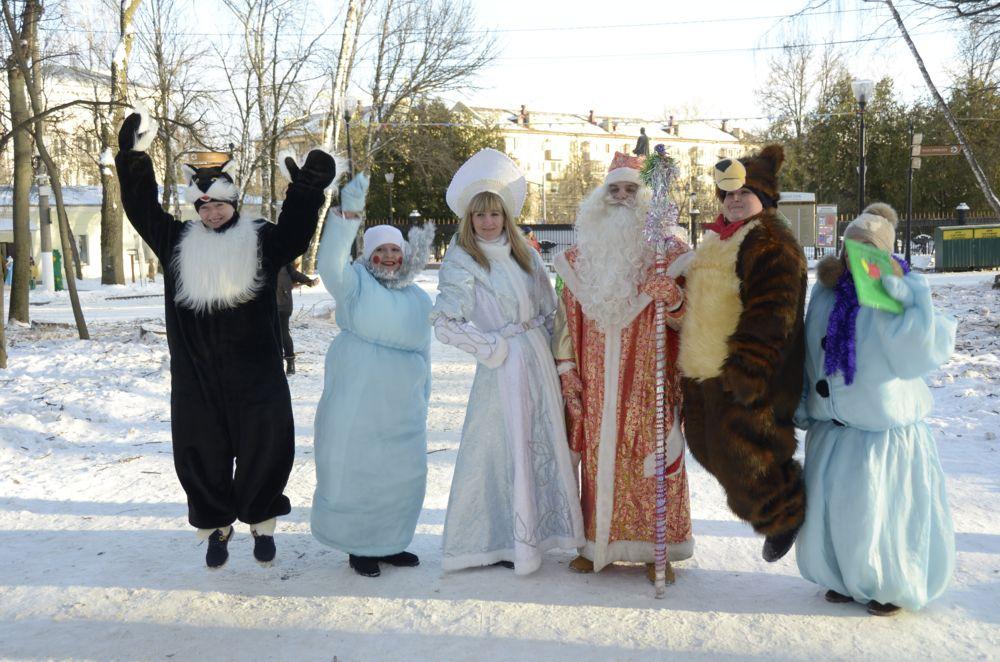 Смотреть Расписание новогодних елок в новосибирске 2019 видео