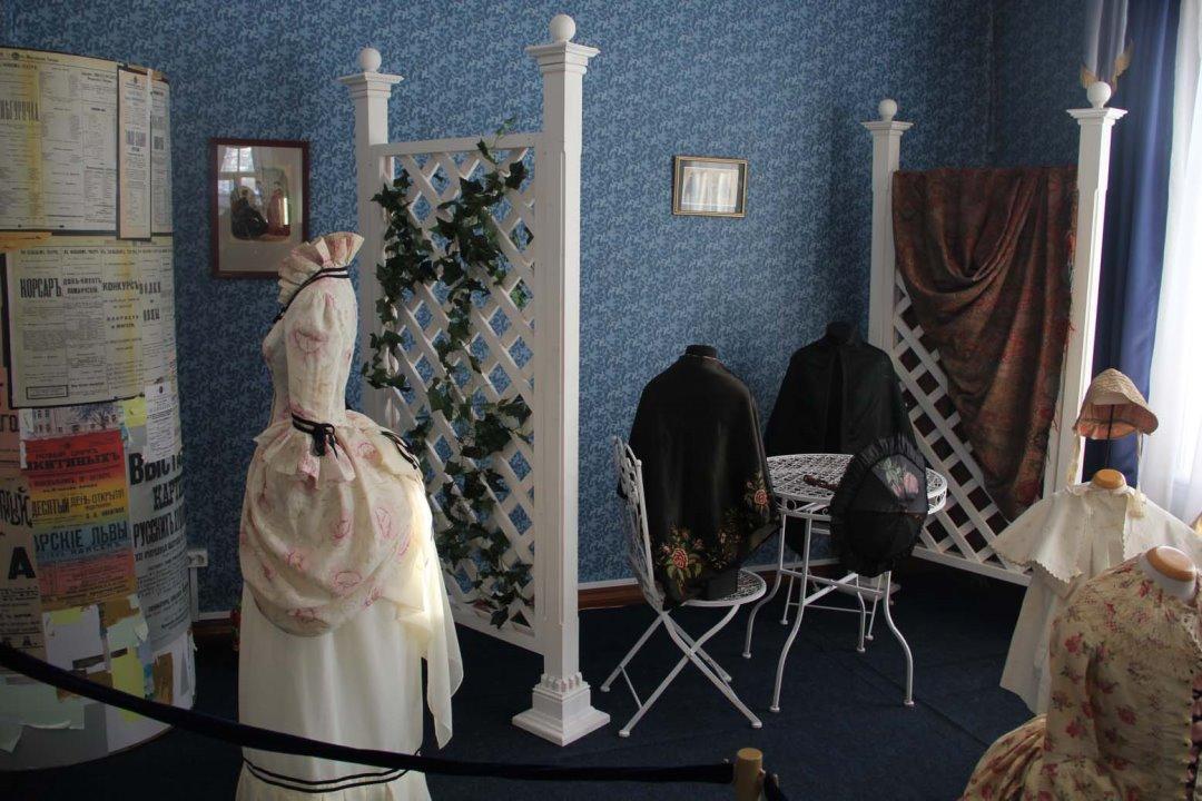 Афиша выставок Иркутска на май 2019: световые машины, рукоделие, wood-картины, насекомые и «страна синего неба»