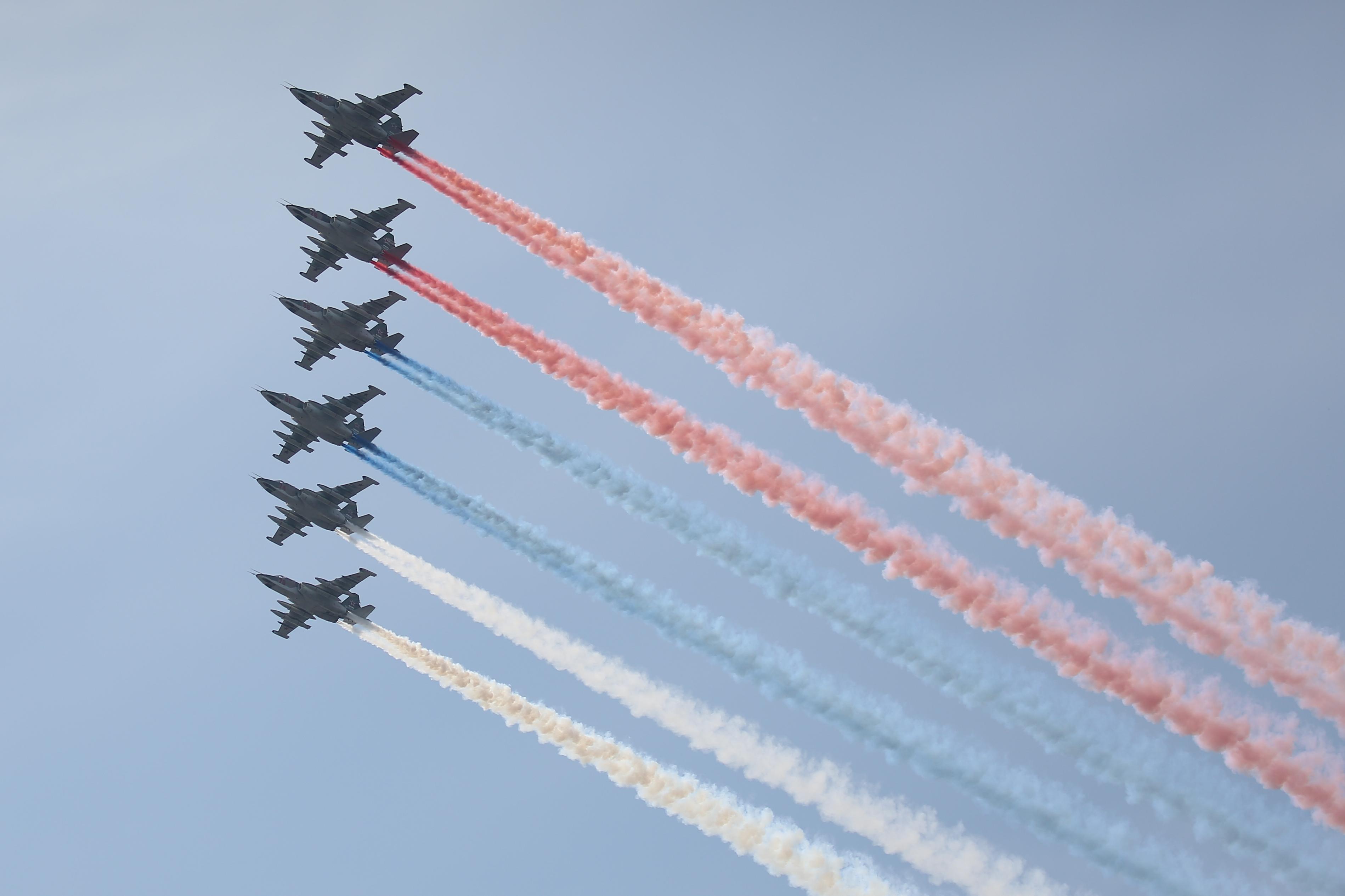 В параде в День ВМФ 2019 в Санкт-Петербурге примет участие и морская авиация — это больше тридцати воздушных судов.