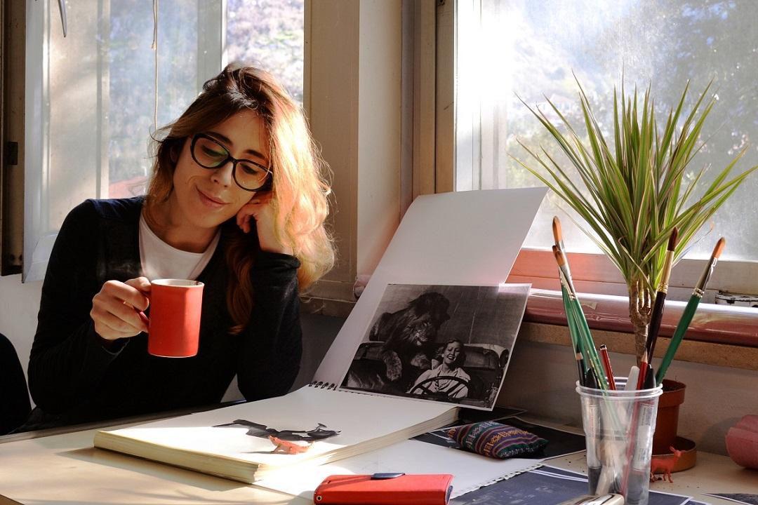 Афиша выставок в октябре 2019 в Иркутске: календарь Pirelli, собрание картин Сукачева, доисторические насекомые в янтаре, Эфемера