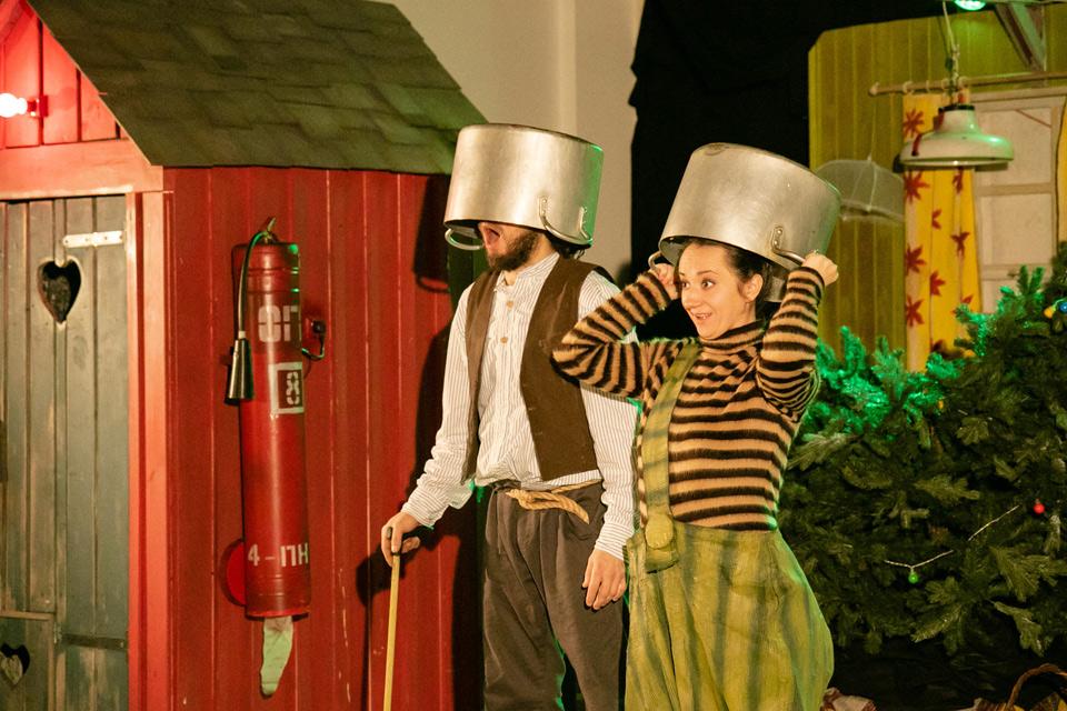 Спектакль «Новогоднее приключение Финдуса и Петсона»