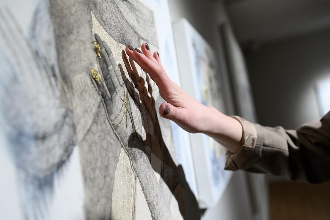 Выставки Иркутска в марте 2020: Пробуждение, Другое измерение, Богини, магия веера, Гражданская война