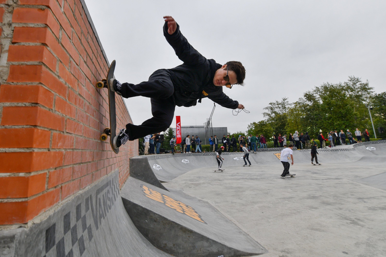 Скейтплощадка Vans Off The Wall Skatepark в Парке Горького