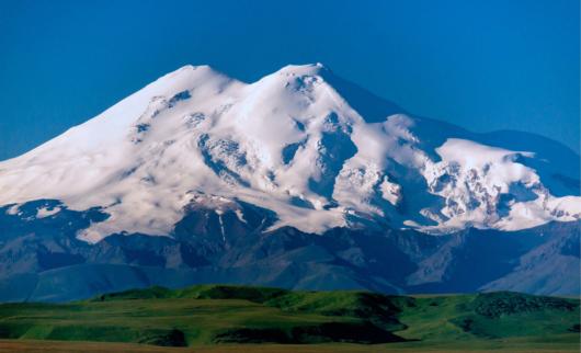 заняв луга и горы