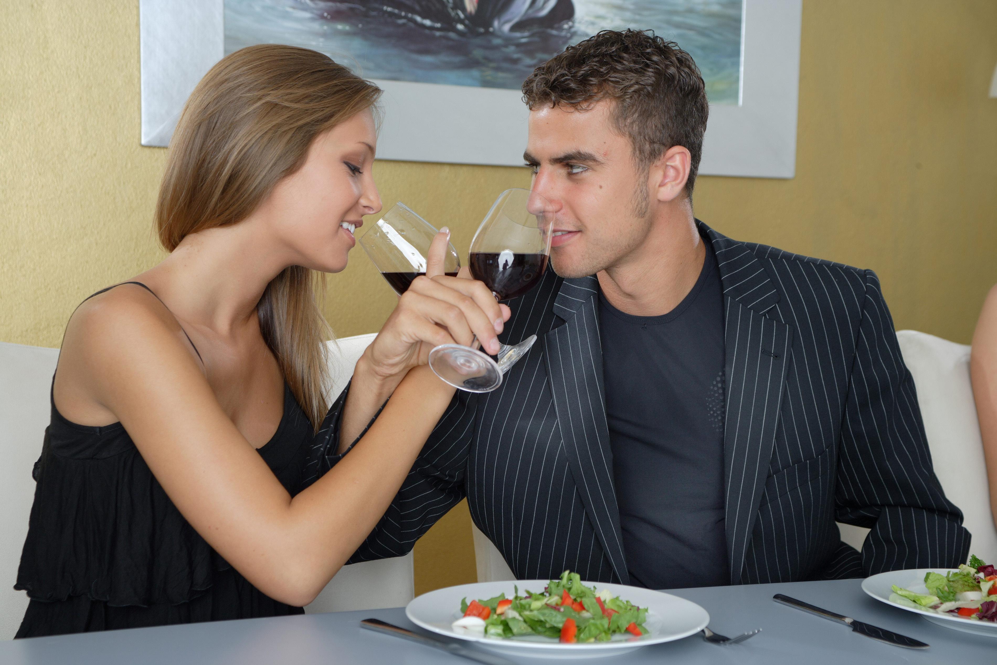 Жена с нужен пригласили девочку для секса фото 497-625