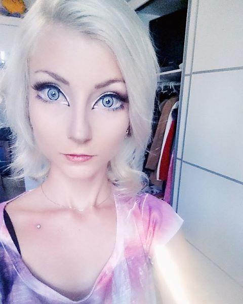 Секс с русскими девушками с внешностью куклы барби