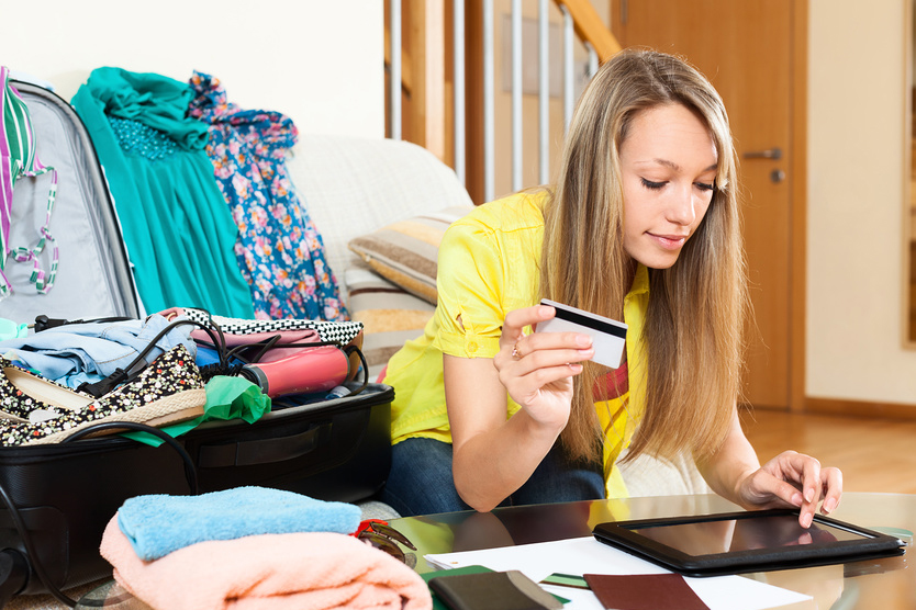 Потраченные деньги все равно нужно возвращать, а кредит сделает отпуск как минимум на 20% дороже.