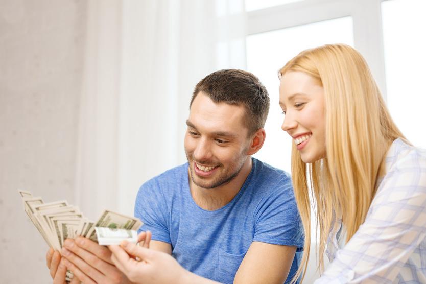 Если планируете получать доход каждый месяц, тогда вам нужны программы с ежемесячными выплатами.