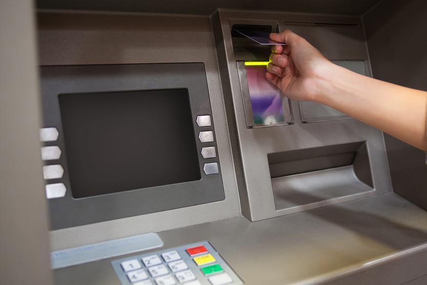 Но самый опасный способ для заемщика — пытаться взять кредит на покрытие другого кредита.