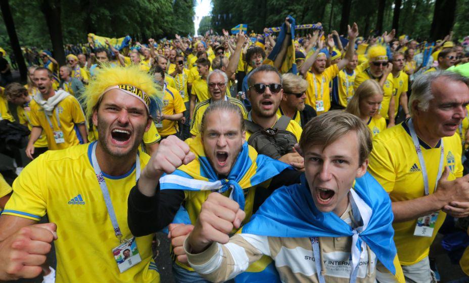 Болельщики сборной Швеции рады победе своей команды. Фото: Global Look Press