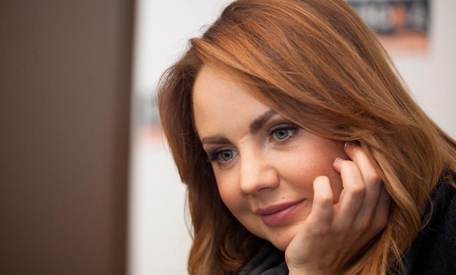Певицу МакSим за ее трек