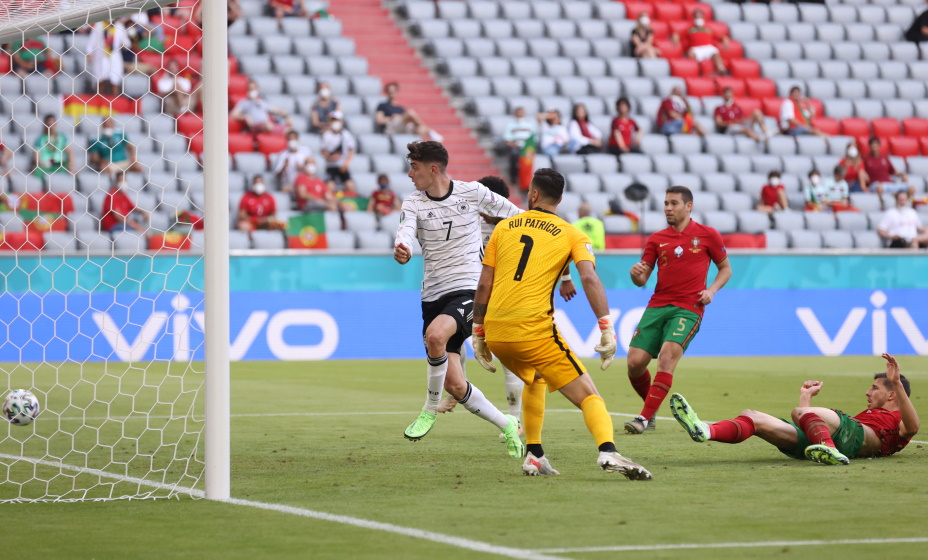 Сборная Германии провела яркий матч с Португалией на Евро. Фото: REUTERS