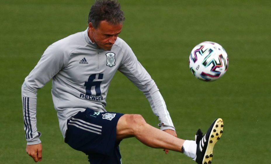 Главный тренер сборной Испании Луис Энрике поставил своей команде суператакующий футбол. Фото: Reuters