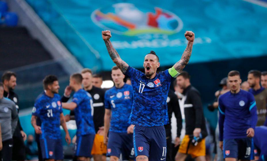 Капитан словаков Марек Гамшик призывает своих товарищей вслед за поляками обыграть и шведов! Фото: Reuters