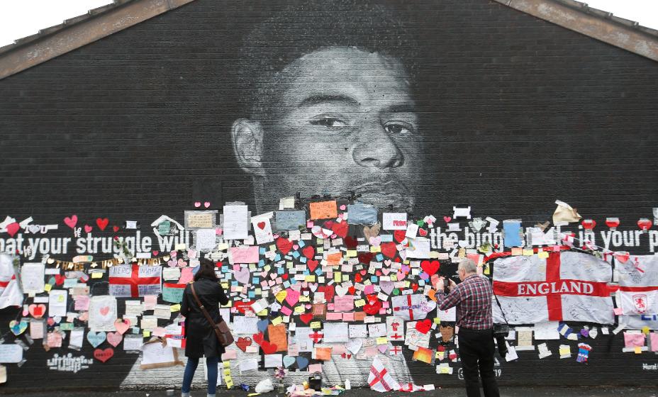 Фанаты затравили Рэшфорда и осквернили граффити с ним в Манчестере. Фото: Reuters