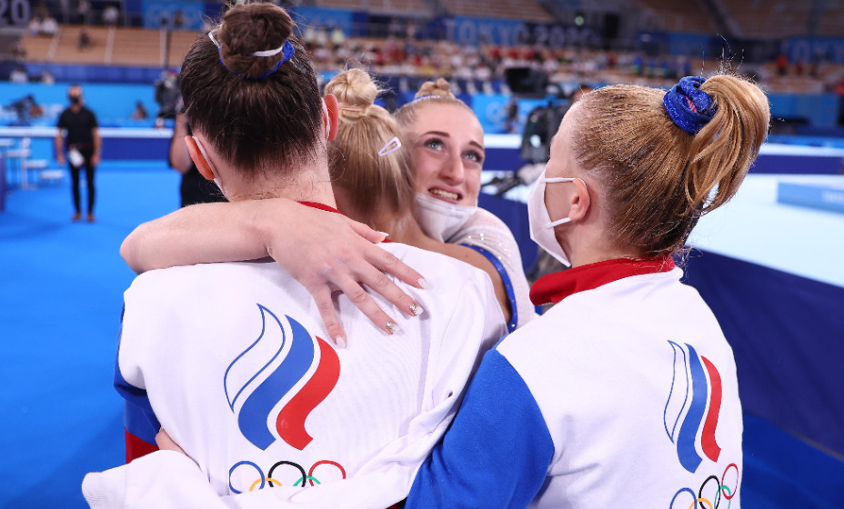 Долгожданная победа. Женская сборная России по спортивной гимнастике в командном первенстве - олимпийские чемпионки. Фото: Reuters