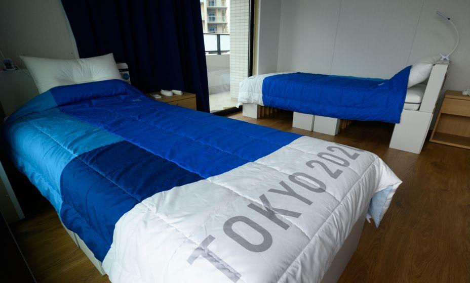 Анти-секс кровать оказалась прочнее, чем предполагалось ранее. Фото: Reuters