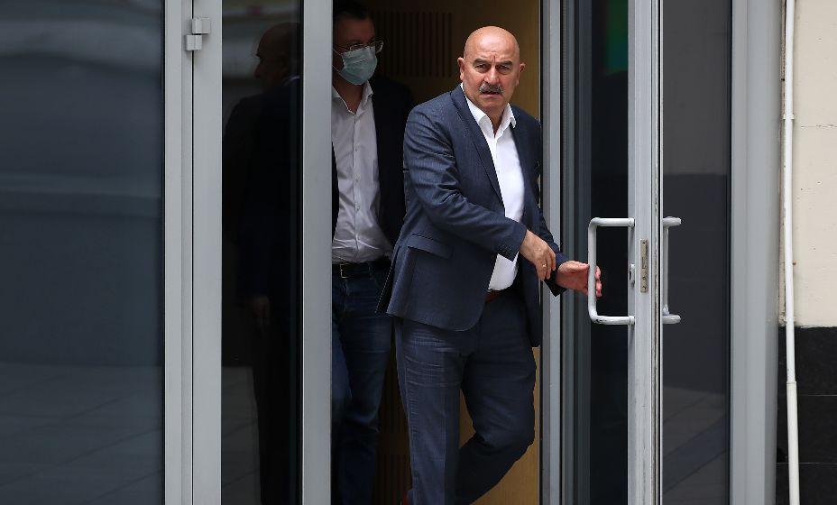 Кто после Станислава Черчесова войдет в дверь РФС? Фото: ТАСС